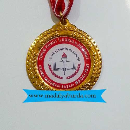 Başarılı öğrenci madalyası