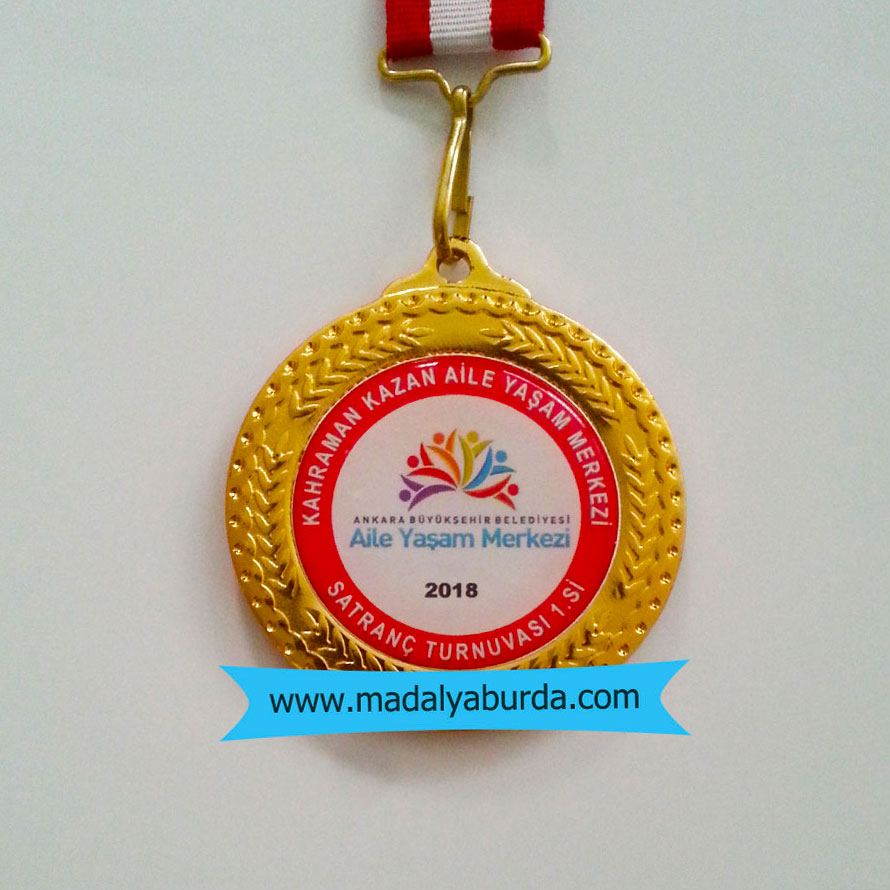 Logolu satranç madalyası