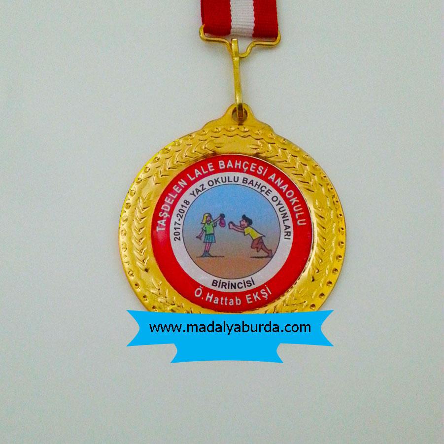 İsimli anaokulu madalyası